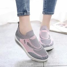 Korean Shoes, Mary Janes, Facebook, Sneakers, Fashion, Tennis, Moda, Slippers, La Mode