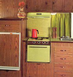 Retrospace: Vintage Wheels Invasion of the Motor Homes (Part Triangle House, Vintage Room, Vintage Kitchen, Vintage 70s, Vintage Decor, Retro Interior Design, Mcm House, Vintage Appliances, Mid Century Modern Kitchen
