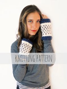 Loveland Mitts Pattern by TwoOfWandsShop // knitting pattern for chunky soft knit finglerless gloves heart mitts mittens // two of wands
