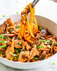 Chicken Udon Noodles, Hoisin Chicken, Beef And Noodles, Garlic Chicken, Recipes With Udon Noodles, Spicy Udon Noodle Recipe, Asian Chicken, Lime Chicken, Pasta Noodles