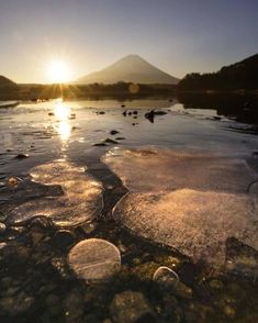ภูเขาไฟฟูจิ สถานที่ท่องเที่ยวในญี่ปุ่น ไปญี่ปุ่นไปเที่ยวที่ไหน รุจ เดอะสตาร์ รุจ ศุภรุจ Mountain Wallpaper, Celestial, Sunset, Outdoor, Fantasy Landscape, Scenery, Outdoors, Sunsets, Outdoor Games