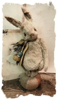 "Image of 7"" Old & Worn Frumpy Rabbit * By Whendi's Bears"