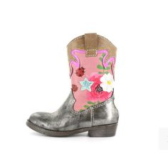 You can kick anything with the right boots. Blogpost over de showstoppers voor aan de voetjes, staat nu online. #kidsstylist #wfis #wtw #kinderschoenen #kinderschoenenblog #kinderschoenentrends #igrs #ig_kids #westernboots #florals #fashionista #influencer #musthaves #kidsmoda #kidsmusthaves #childscloset #directlinkinbio #shoecrush #trends #fashionmom #metallic