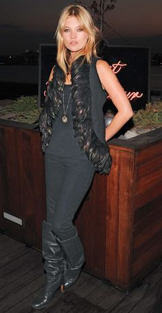 Kate Moss.  Wiwy+Alexander McQueen 2008