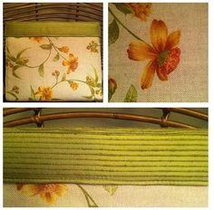 Clutch de linho floral com detalhe em seda verde na abertura - à venda!