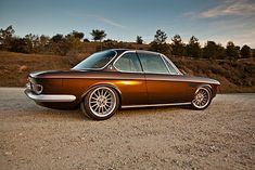 I like classical cars as original as possible but sometimes very tasteful adjustments are applied: '71 BMW 2800cs