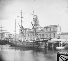 "storic photo of the ""Old"" Cork City Hall. Built in the Century on Albert Quay in Cork City, the building was originally a corn exchange Erin Ireland, Ireland Food, Old Pictures, Old Photos, Old Sailing Ships, Local History, History Pics, Images Of Ireland, Cork City"