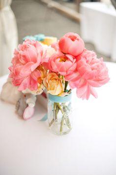 flowers bouquet style me pretty