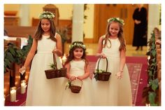 Flower crowns and the cutest flower girls ever