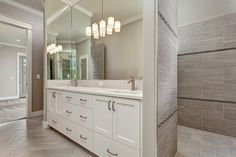Bathroom remodel small tub renovation walk in shower 35 Ideas Closet Remodel, Master Shower, Trendy Bathroom, Shower Doors, White Vanity Bathroom, Closet Lighting, Bathroom Shower, Bathroom Design, Small Bathroom Remodel