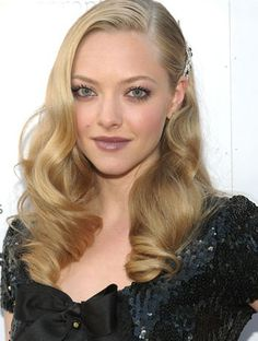 Love this old Hollywood hair!