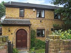 London Graces Mews 3 Bedroom House United Kingdom, Europe Located in Waterloo and Southwark, Graces Mews 3 Bedroom House is a perfect starting point from which to explore London. The hotel offers guests a range of services and amenities designed to provide comfort and convenience. Car park are there for guest's enjoyment. Some of the well-appointed guestrooms feature television LCD/plasma screen, non smoking rooms, heating, balcony/terrace, kitchenette. The hotel's peaceful at...