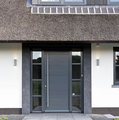 34 Ideas exterior design contemporary modern for 2019 House Front Door, Front Door Entrance, Front Entrances, House Entrance, Entry Doors, Garage Door Styles, Garage Door Design, Entrance Design, Front Door Design