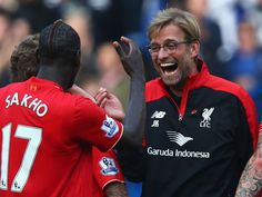 Jurgen Klopp (R), manager of Liverpool celebrates his team's win with his player Mamadou Sakho (L) after the Barclays Premier League match between Chelsea and Liverpool at Stamford Bridge on October 2015 in London, England. Liverpool Football Club, Liverpool Fc, Chelsea Liverpool, Juergen Klopp, Real Soccer, Liga Premier, Club World Cup, Barclay Premier League, Soccer News