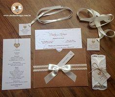 AMEI MIL VEZES essa papelaria da @abelhadesign_debora! Rústica e clássica perfeita para um casamento ao ar livre ou de dia.  Além disso o convite é todo ecológico por causa da impressão em papel semente.  Orçamentos  contato@abelhadesign.com whatsapp: (11) 95450-2962 ou no instagram @abelhadesign_debora Eles entregam em todo Brasil!