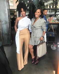 Revamp your wardrobe with the latest trends from NYFW 2017 for way less. Black Girl Fashion, Look Fashion, Autumn Fashion, Fashion Outfits, Womens Fashion, Fashion Trends, Black Girl Swag, New York Fashion, Ny Fashion Week