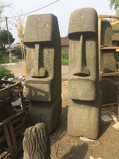 Other figures & sculptures at Hood. Wood Carving Designs, Wood Carving Patterns, Abstract Sculpture, Sculpture Art, Ice Sculptures, Stone Garden Statues, Simple Wood Carving, Tiki Head, Rockabilly Art