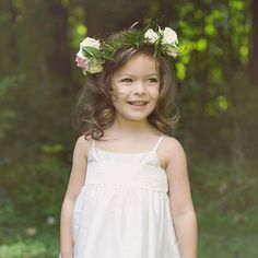 8 Gorgeous Hairstyles For Little Flower Girls: A wedding may be all about the bride, but the flower girl plays a pretty important role.