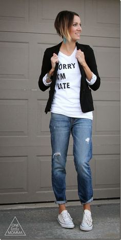 Love the whole outfit but especially the shirt!