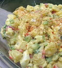 Recipe for Good Old Fashion Potato Salad - Remember the best Potato Salad you ever tasted? It's a winner every time. You'll hear OMG This IS the Best Potato Salad I ever tasted in my Whole Entire Life! Looks so yummy! Potato Dishes, Potato Recipes, Food Dishes, Side Dishes, Side Recipes, Great Recipes, Favorite Recipes, I Love Food, Good Food