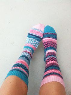 Sock Factory - By Lise Lefebvre Crochet Socks, Knit Or Crochet, Knitting Socks, Hand Knitting, Knitting Patterns, Knit Socks, Yarn Inspiration, My Socks, Needle And Thread