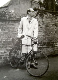 Philip Larkin. Poet with a bicycle, this makes us really happy! (not sure Larkin would approve…)