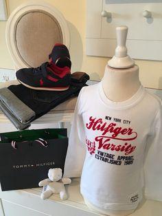 Mein Orig. Tommy Hilfiger Shirt Gr.4 Jahre / 104 cm von Tommy Hilfiger! Größe 104 für 15,00 €. Schau´s dir an: http://www.mamikreisel.de/kleidung-fur-jungs/langarmshirts-slash-longsleeves/31732537-orig-tommy-hilfiger-shirt-gr4-jahre-104-cm.