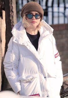 Emilia Clarke for Bosideng's Winter Collection English Actresses, Actors & Actresses, Emilia Clarke Hot, Emilia Clarke Daenerys Targaryen, Female Dragon, Beautiful Goddess, Beautiful Women, Winter Collection, Celebrity Style