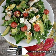 #Salad - Spinach salad with Chicken, Avocado and Goat Cheese. Enjoy this delicious and healthy salad that even your kids will love!