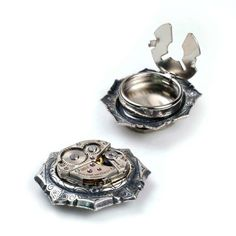 Steampunk Vintage Bulova Reloj movimiento octágono biseles botón cubiertas del pun ¢ o de Antige en Etsy https://www.etsy.com/es/listing/106850162/steampunk-vintage-bulova-reloj