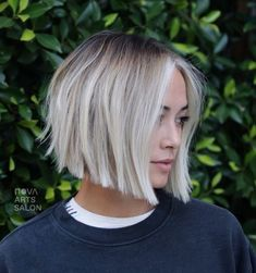 Gorgeous Soft Blunt Bob Haircuts for Women in 2019 for short hair bo. - Gorgeous Soft Blunt Bob Haircuts for Women in 2019 for short hair bob Gorgeous Soft Blu - Blunt Bob Haircuts, Bob Haircuts For Women, Short Hair Cuts For Women, Short Hair Styles, Stacked Bob Haircuts, Short Hair Colour, Short Hair Side Part, Styling Short Hair Bob, Thick Haircuts