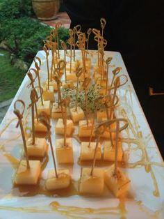Queijo coalho com melado de cana. #CaptainsBuffet#wedding #casarnapraia#casarembuzios#eventoscorporativos#buziosmarriage #buzios #buffet