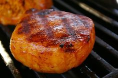 Try Hawaiian Pineapple and Pork Chops on the Grill Breaded Pork Chops, Grilled Pork Chops, Grilled Meat, Hawaiian Pork Chops, Pineapple Pork Chops, Pineapple Slices, Pork Rib Recipes, Grilling Recipes, Cooking Recipes