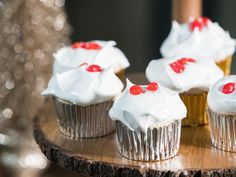 Dark Chocolate Filled Angel Food Cupcakes Recipe from Food Network Best Dessert Recipes, Cupcake Recipes, Fall Recipes, Holiday Recipes, Top Recipes, Chef Recipes, Frosting Recipes, Christmas Recipes, Angel Food Cupcakes