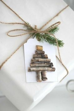 Simple Christmas wrapping paper ideas
