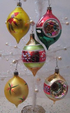 Lot of 5 Vtg Poland Glass Xmas Ornaments Indent Teardrop Red Green Gold Blue Antique Christmas Ornaments, Merry Christmas, Christmas Scenes, Vintage Ornaments, Christmas Items, Christmas Tree Decorations, Christmas Tree Ornaments, Primitive Christmas, Polish Christmas