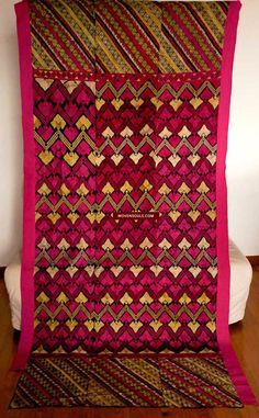 583 Antique Striking Swat Valley Shawl Textile Embroidery
