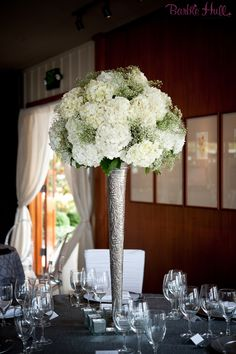 Tall White Hydrangea Centerpiece by Aria Style (Barbie Hull Photography) / www.ariastyle.com / https://www.facebook.com/AriaStyle