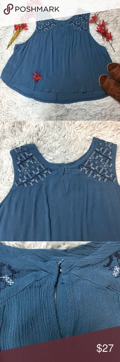 Massini Women's Blouse Top V-neck High-low Size 3X Massini Women's Blouse Top Blue Sleeveless V-neck High-low Size 3X  From a smoke-free home  Good Gently Used Condition  Bust armpit to armpit: 53 in. Length from top of shoulder to bottom: 22 1/2 front and 25 back Massini Tops Blouses