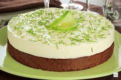 Torta-brownie com mousse de limão