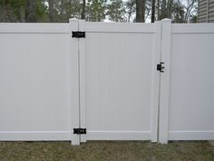 Online Fence Supply - The Fence Pros For Over 20 Years. Aluminum Fence Store Offering Quality Made Vinyl and Aluminum Fence Sections, Vinyl and Aluminum Gates along with Fencing Hardware at Direct From Manufacturer Wholesale Pricing. Vinyl Privacy Fence, Privacy Fences, Aluminium Gates, Aluminum Fence, White Vinyl Fence, Fence Sections, Side Gates, Backyard, Patio