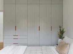 Home Interior Classic .Home Interior Classic Luxury Homes Interior, Home Interior, Bathroom Interior, Interior Design, Rangement Makeup, Queenslander House, Home Remodel Costs, Casa Real, Bedroom Wardrobe