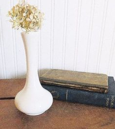 Vintage-Ironstone-Bud-Vase-Chefsware-by-H-F-Coors-247-White