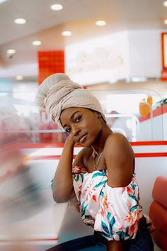 When you're at In n Out with bae but he looking like a snack so all u think about is him being In & Out of you 😏😂💗 📸- Turbans, Headscarves, Ebony Beauty, Dark Beauty, African Beauty, African Fashion, Black Girl Magic, Black Girls, Beautiful Black Women