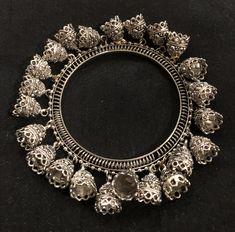 Silver Bangles, Jewelry Design, Jewellery, Diamond, Jewels, Jewelry Shop, Jewerly, Diamonds, Jewlery