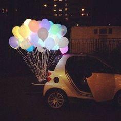 Sorprende a los recién casados con un montón de globos led atados a su coche! ➡ http://www.pulserasfluorescentesfluor.com/13-globos-led