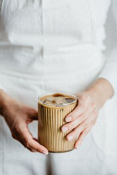 iced coffee aesthetic - iced coffee recipe & iced coffee & iced coffee recipe easy & iced coffee aesthetic & iced coffee starbucks & iced coffee at home & iced coffee protein shake & iced coffee recipes at home Coffee Is Life, I Love Coffee, Coffee Break, Coffee Girl, Coffee Lovers, Morning Coffee, Coffee Cafe, Coffee Drinks, Iced Coffee Cup