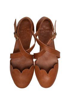 9fb22d277b27 13 Best leather sandals flat