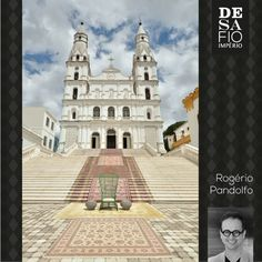 Ambiente arquiteto Rogério Pandolfo para o Desafio Império Persa - Tapete Tabriz. #desafioimperiopersa San Francisco Ferry, Notre Dame, Mansions, Reading, House Styles, Building, Books, Retail, Travel