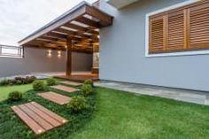 Casa em Taquara/RS: Garagens e edículas modernas por Plena Madeiras Nobres